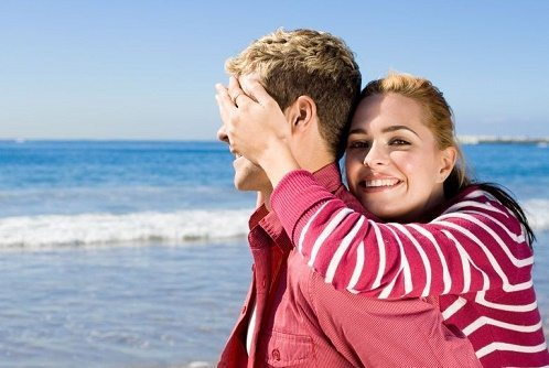 10 Worst Flirting Moves You Should Never Use