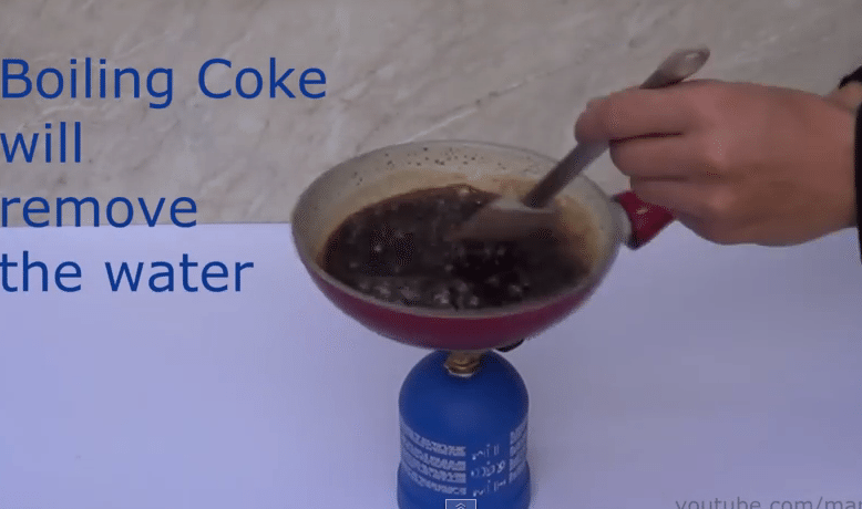 Nothing Will Prepare You For What Happens When This Guy Boils Some Coke