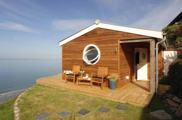 This Incredibly Tiny House Seems Really Huge From The Inside