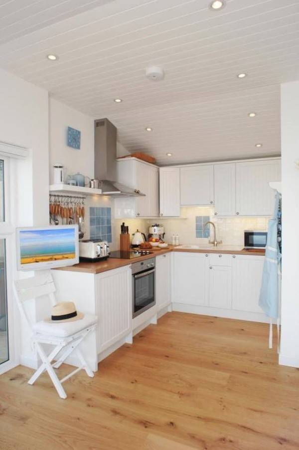 Despite its limited space, this cottage has everything you could ever expect to have in a home.