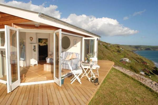 This place has to be the envy of everyone who's ever been to Whitsand Bay in the U.K.
