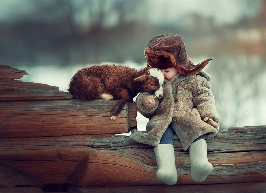 Children And Animals Cuddle In Cute Photoshoots By Russian Photographer Elena Karneeva