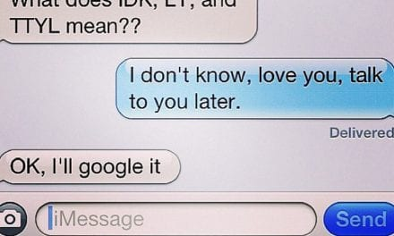 10 Hilarious Photos That Prove That Moms Are Terrible At Texting