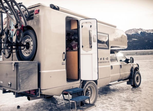 Nomadic Family Sold Their Canada Home To Travel Around The World In An RV