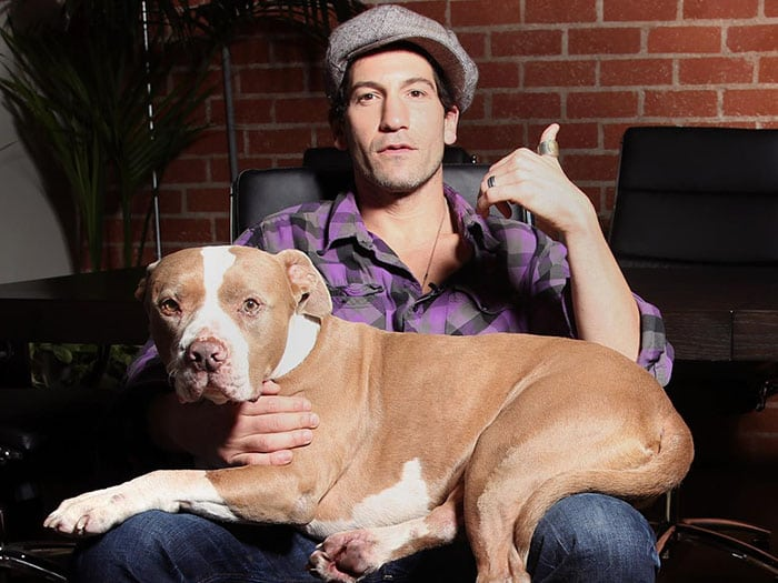 Actor Jon Bernthal Rescued Three Pit Bulls Dogs And Media Cant Get Over His Perfect Pictures With Them